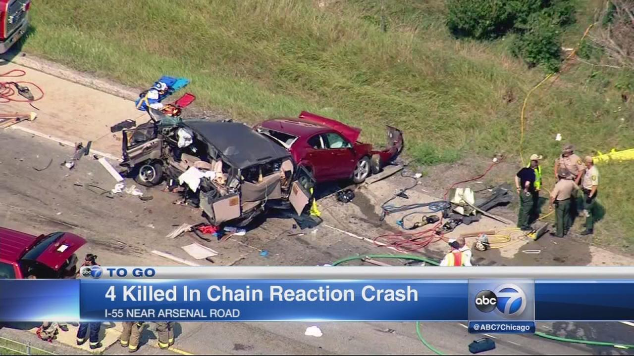 4 killed in chain reaction crash on Interstate 55