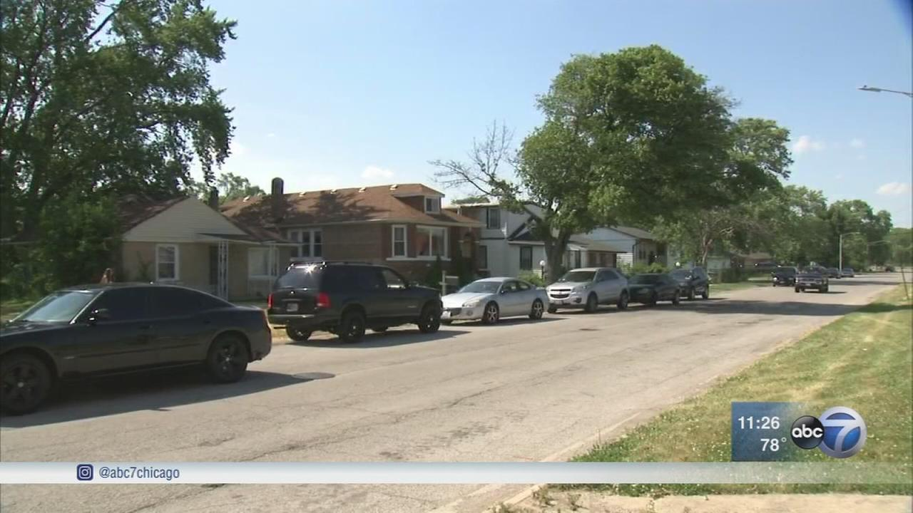 Police: Toddler found in Dixmoor alley with unknown marks on body