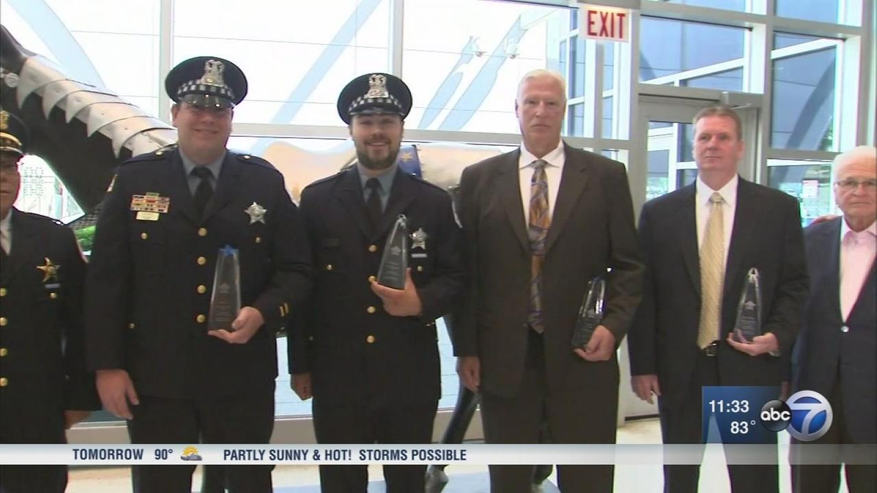 4 CPD officers, detectives honored after shooting