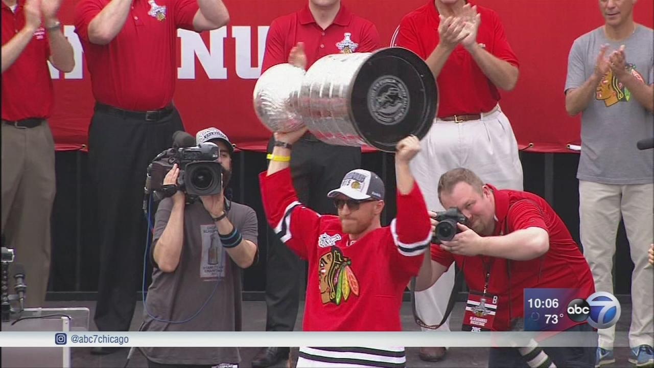Chicago Blackhawks Hossa will not play next season due to skin disorder