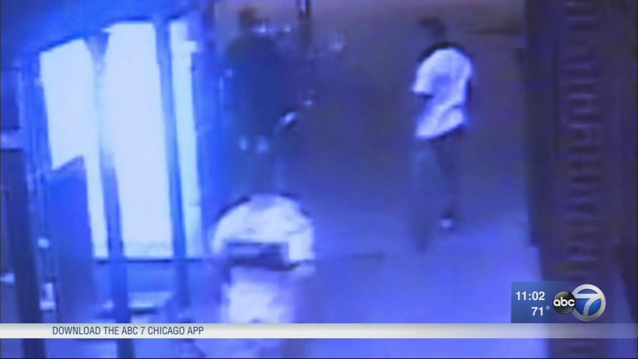 2 beaten in River North fight