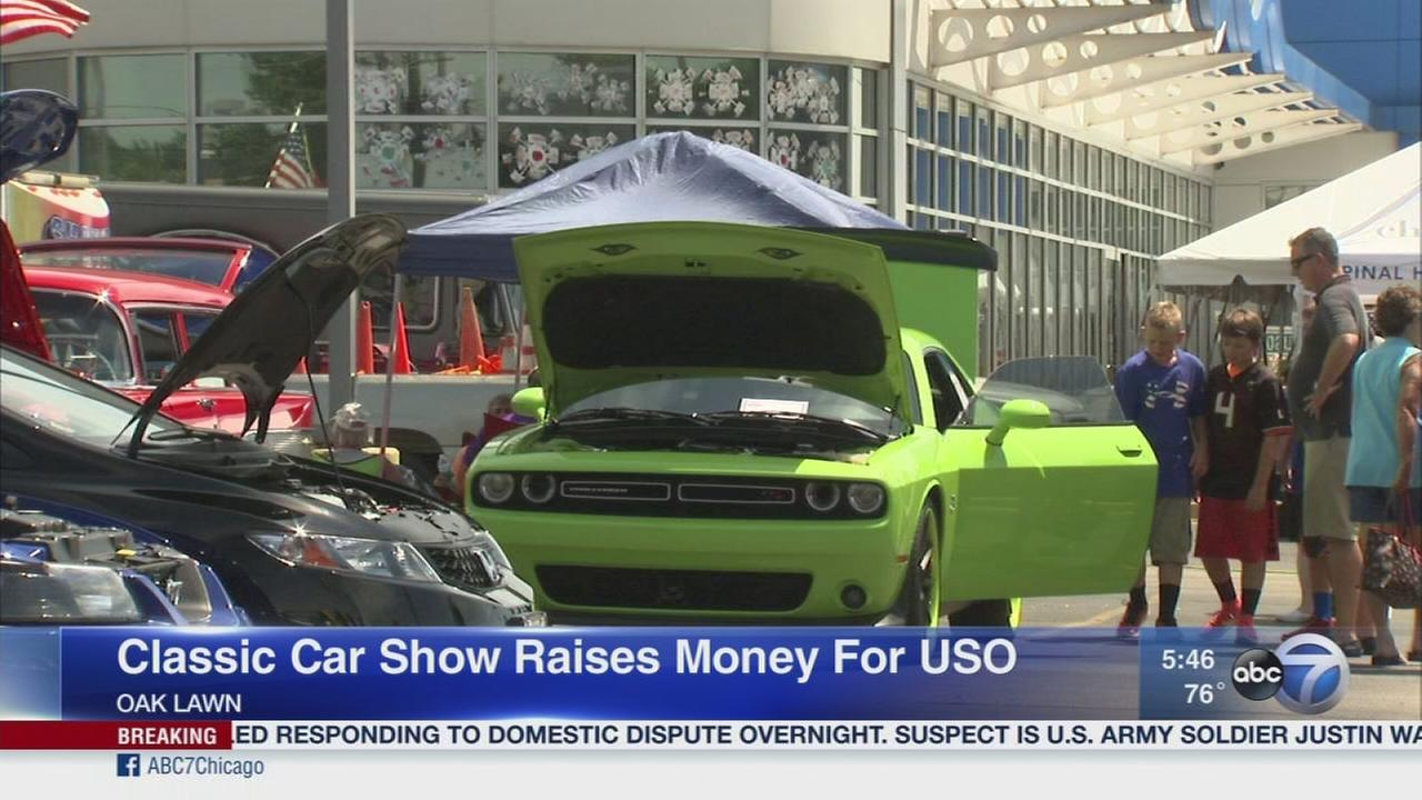 Classic car show in Oak Lawn raises money for USO