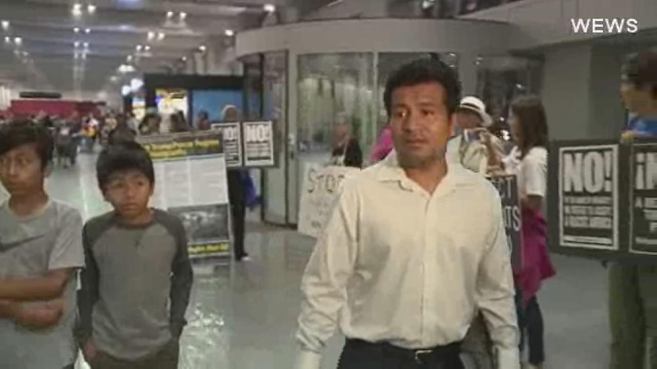 Father of 4 deported to Mexico