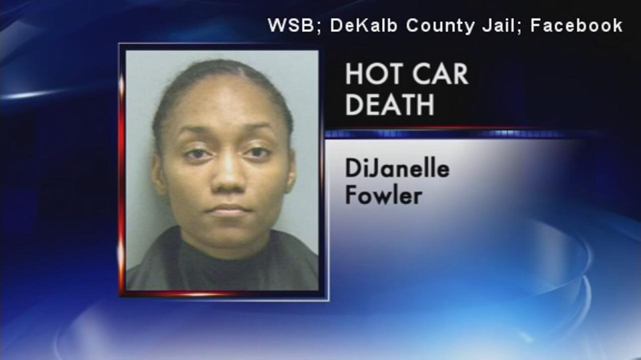 Mom charged in babys hot car death