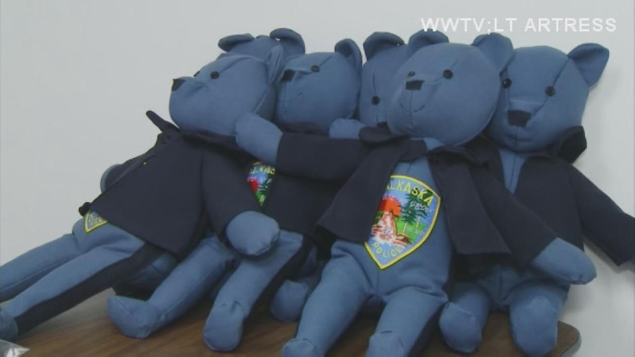 Mich. woman makes teddy bears from old police uniforms