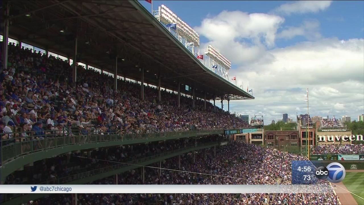 Sox beat Cubs in Game 1 of Crosstown Classic
