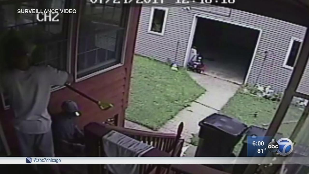 Jefferson Park burglary caught on camera