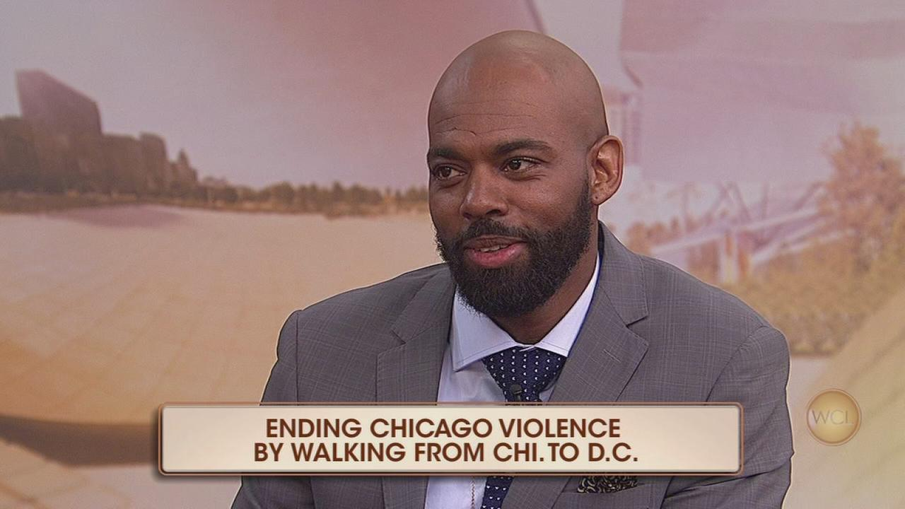 Bronzeville native walks from Chicago to the White House