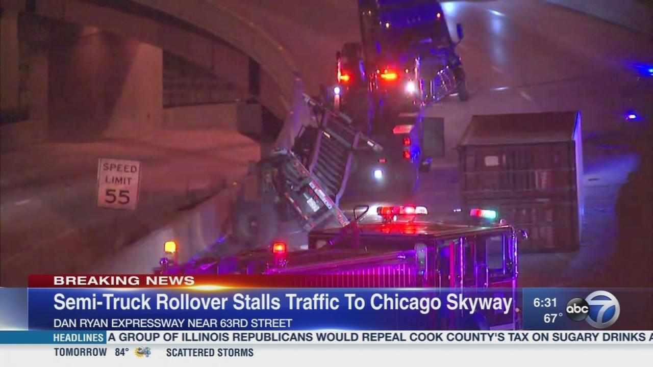 Rollover semi closes Dan Ryan ramp to Skyway