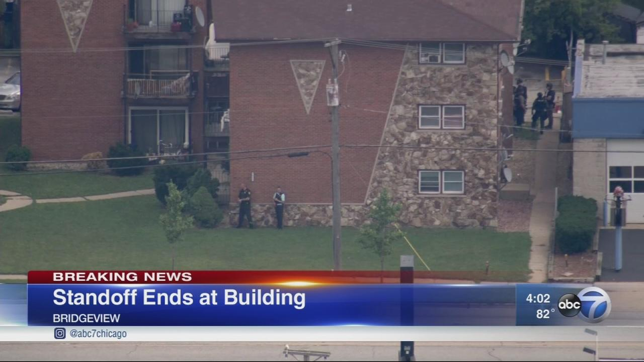 Bridgeview standoff ends, no one injured