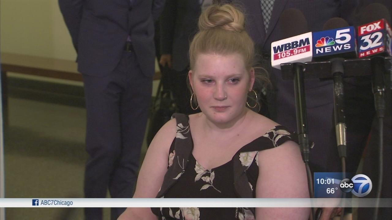 Jury awards paralyzed dancer $148M after OHare bus shelter collapse