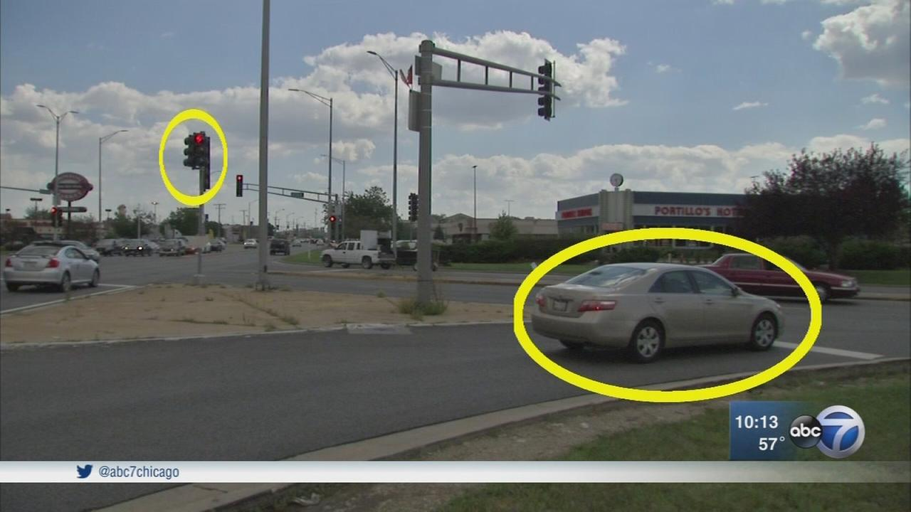 Drivers call confusing red light camera intersection in Crestwood a trap