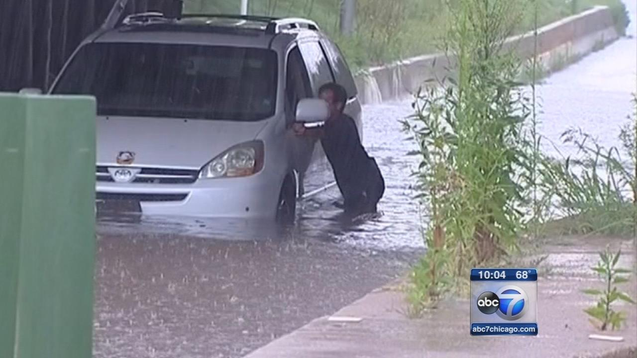 Flooding rains soak Chicago, suburbs