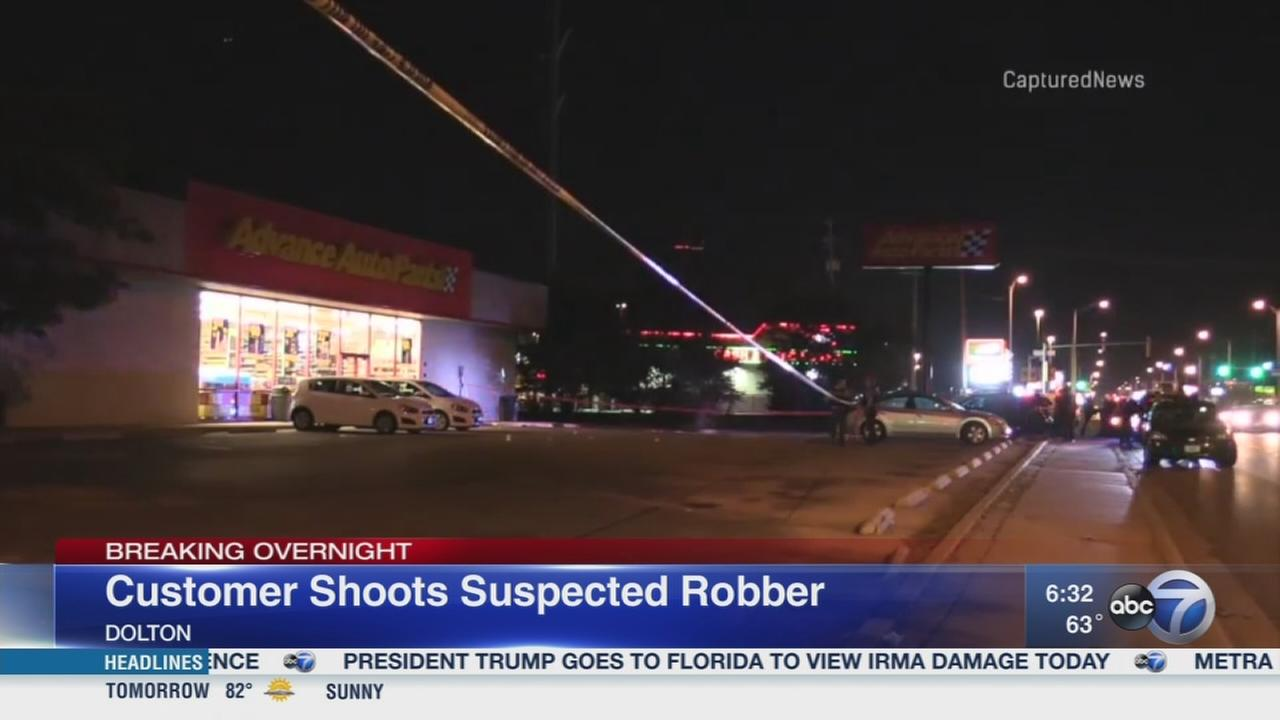 Customer shoots suspected robber in Dolton