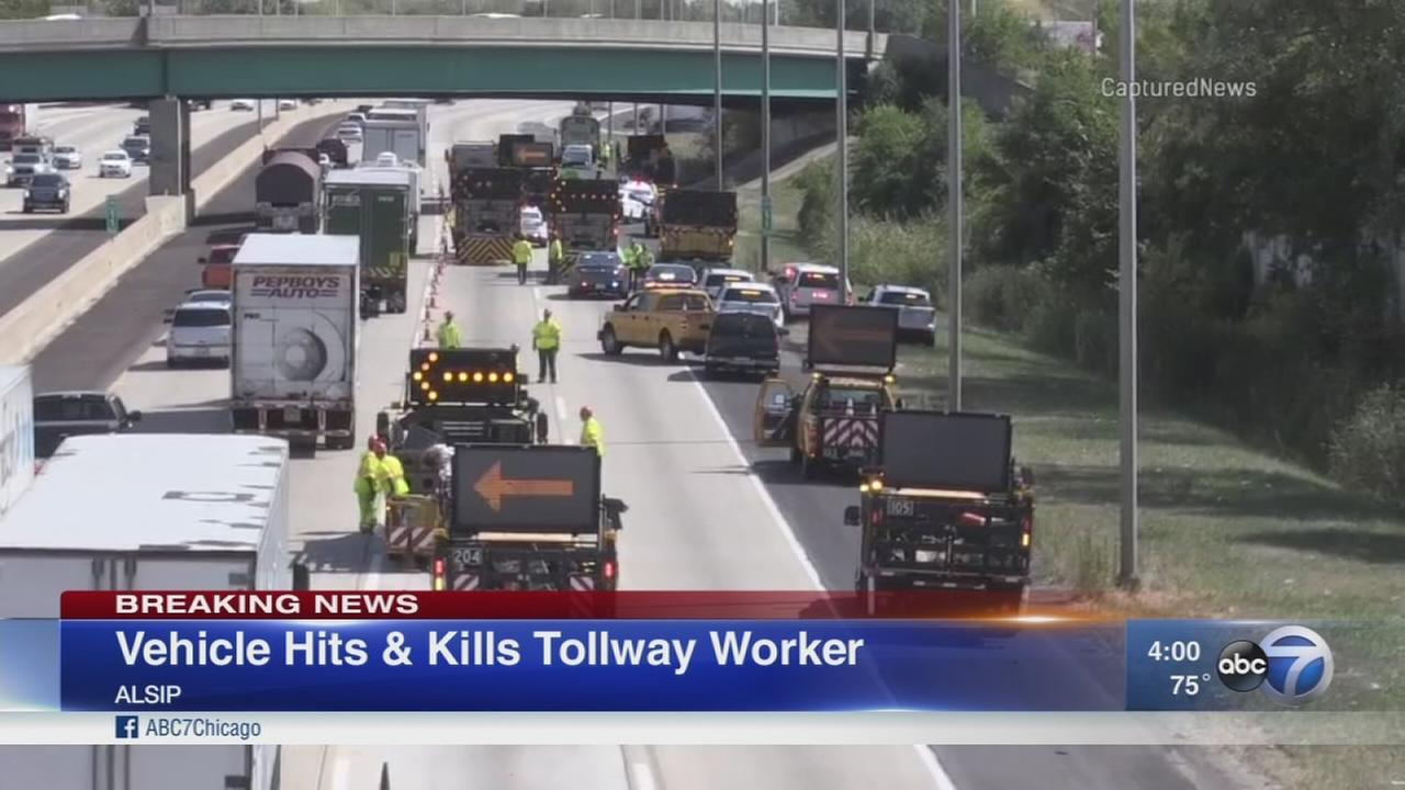 Police: Tollway worker fatally struck by vehicle on I-294