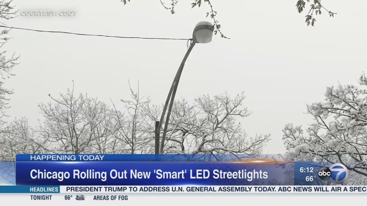 Chicago rolling out new smart streetlights