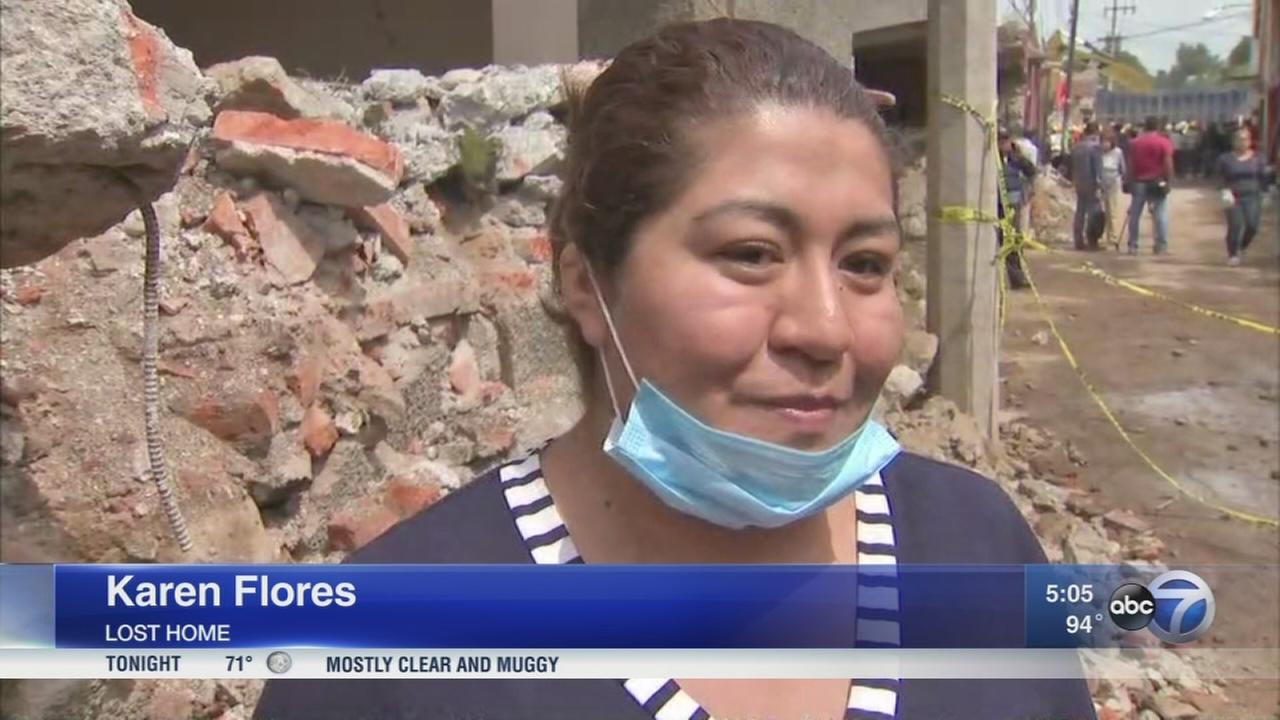 Mexicans clean up after earthquake