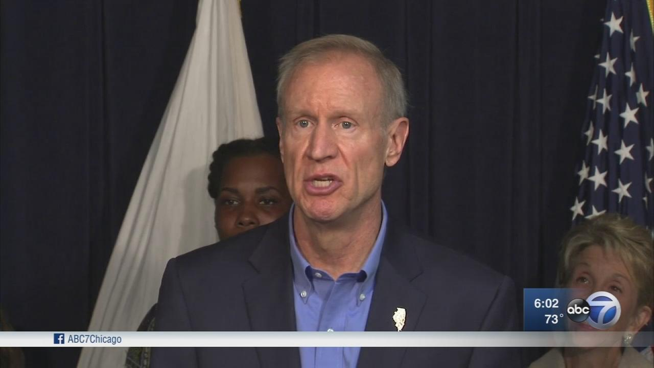 Rauner signs bill expanding public financing for abortions in IL