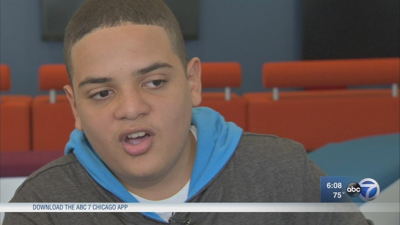 Puerto Rican student enrolls in Chicago school after hurricane devastates island