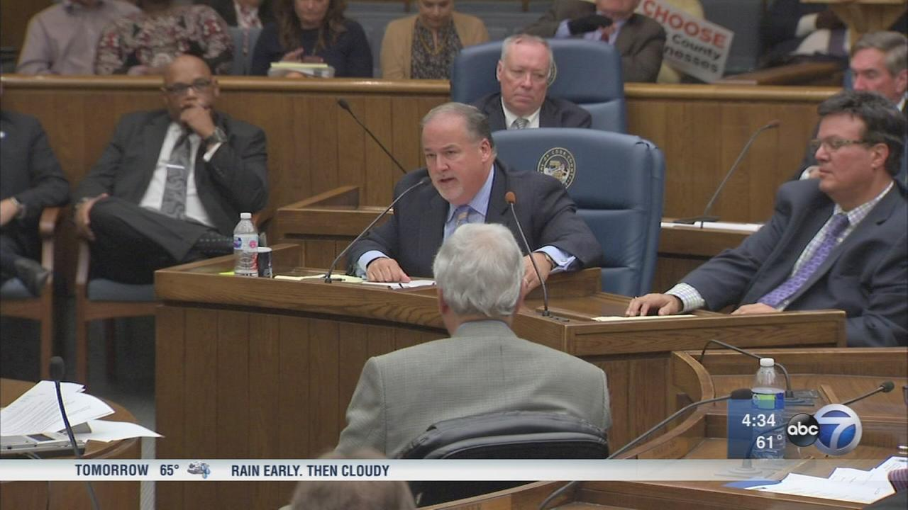 Cook County officials vote 15-1 to repeal sugary drink tax