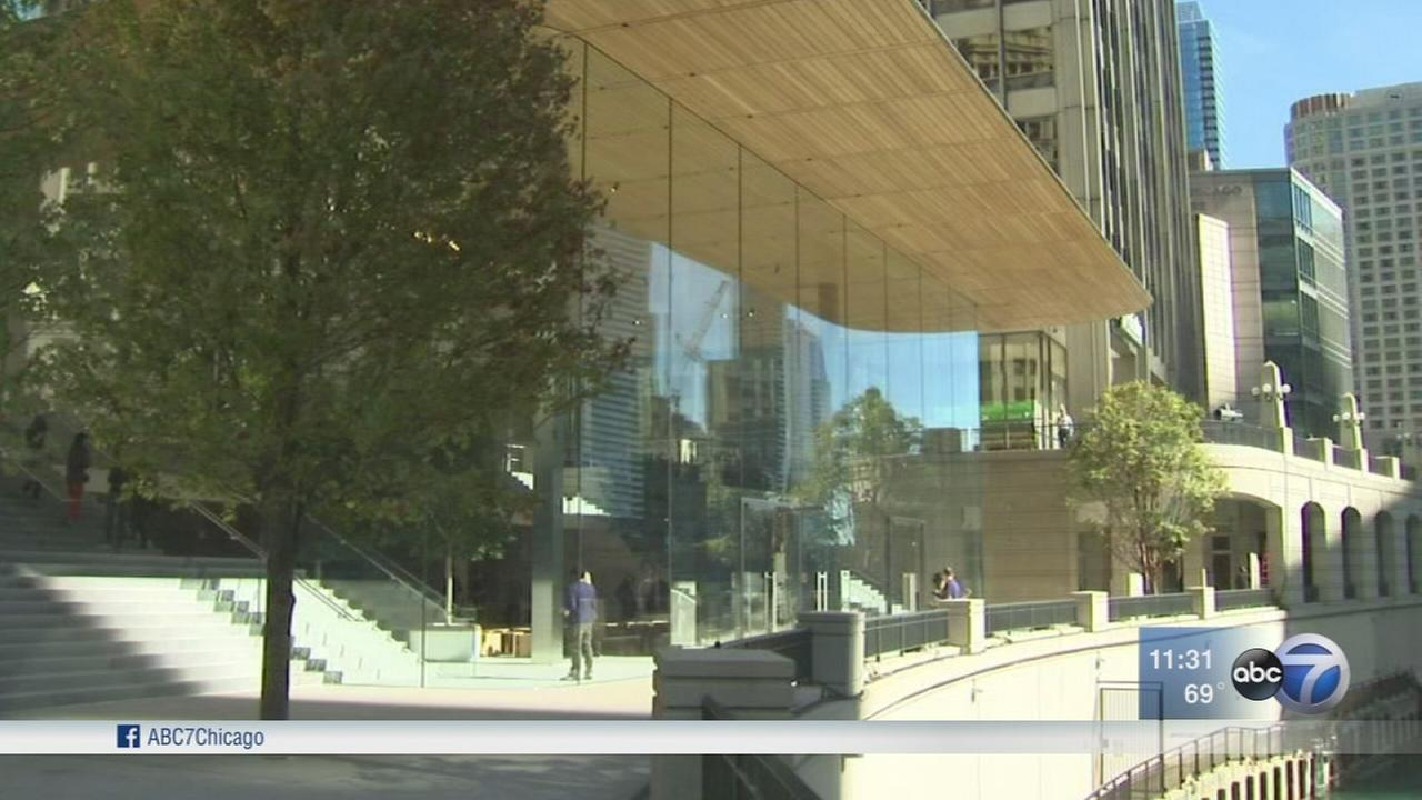 Apple Michigan Avenue to open Friday