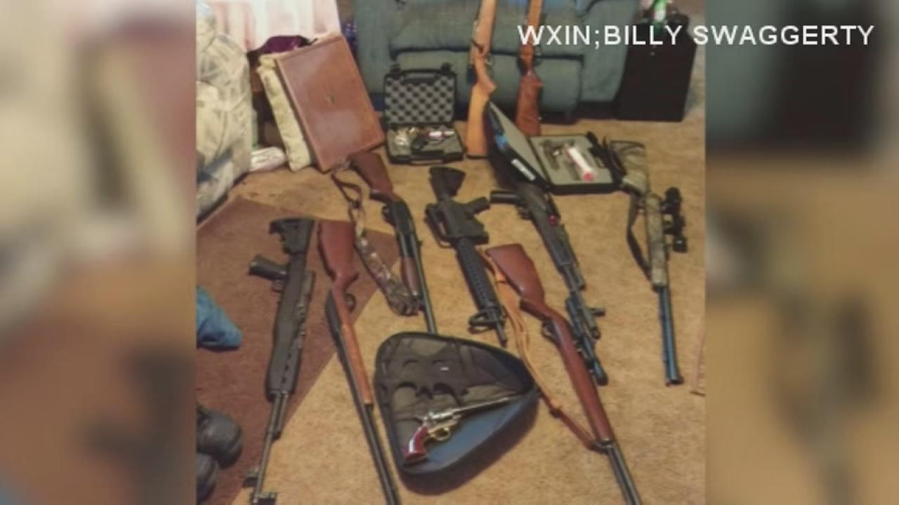Ind. man accuses striper in theft of 16 guns
