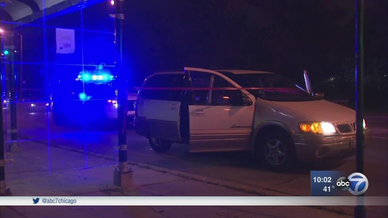 Police: Carjackers abandon child from minivan in Oak Park before crash