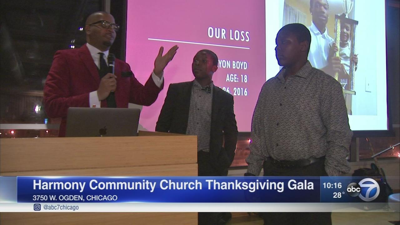 13-year-old North Lawndale twins take part in church?s Thanksgiving gala