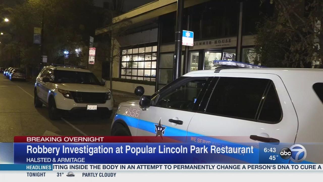 Lincoln Park restaurant robbed at gunpoint