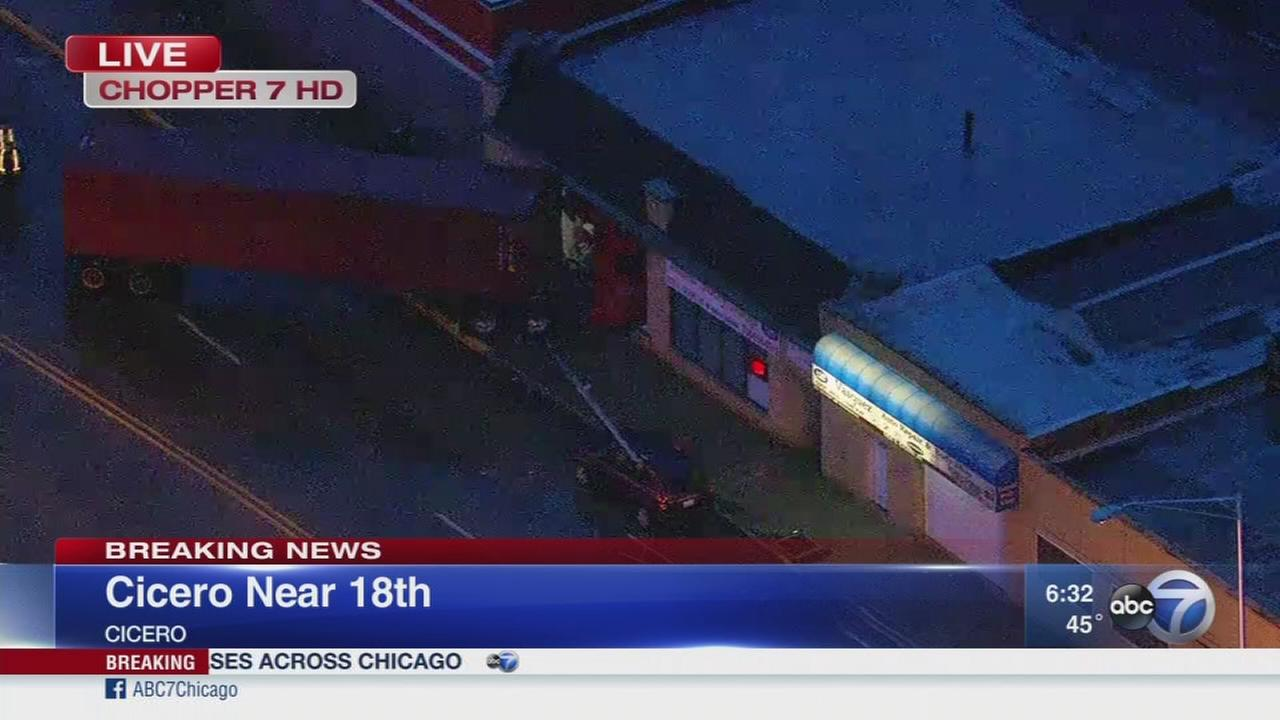 Semi crashes into building in Cicero