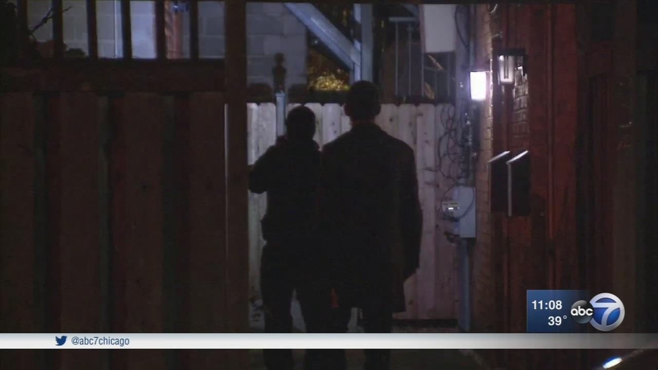 Man tied up, robbed in his Lincoln Park home