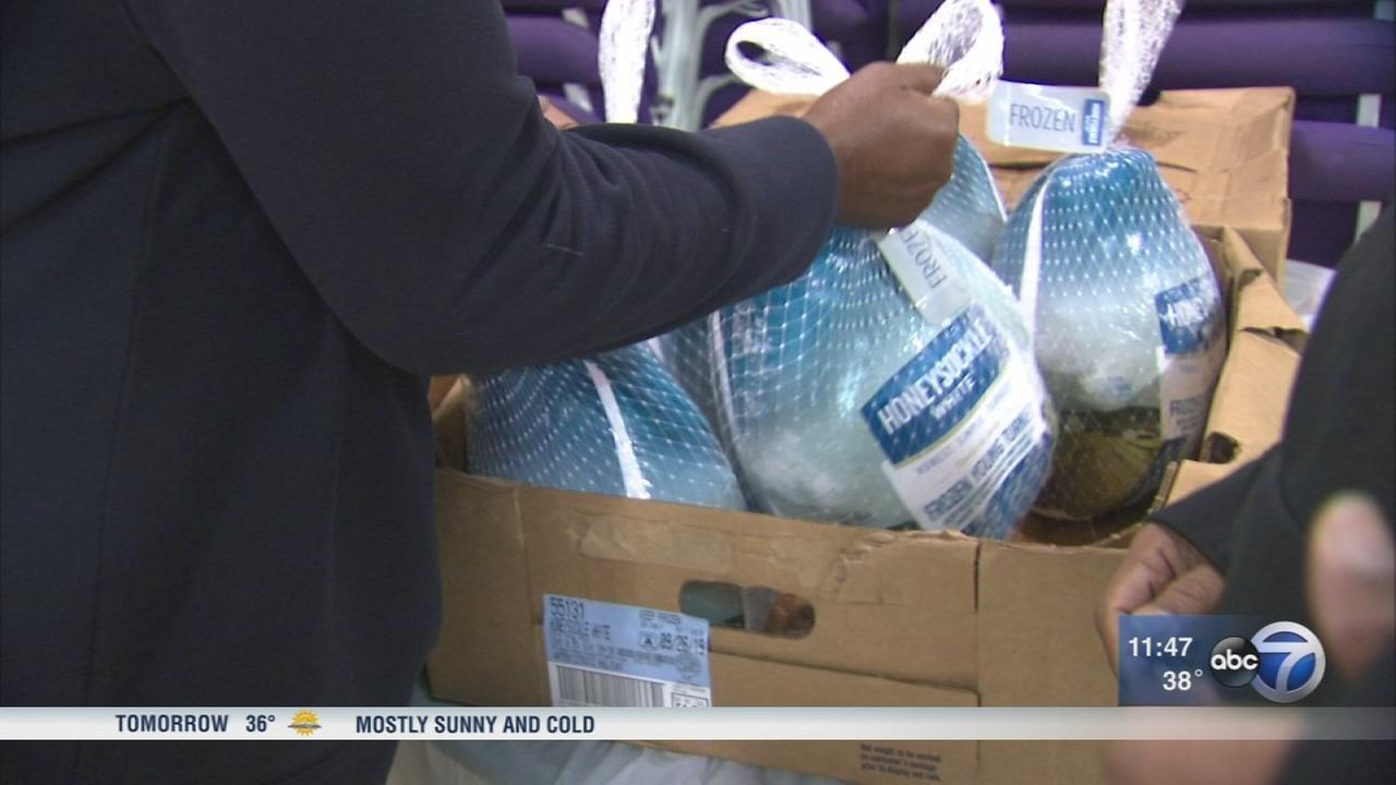Free turkeys given to needy families on South Side