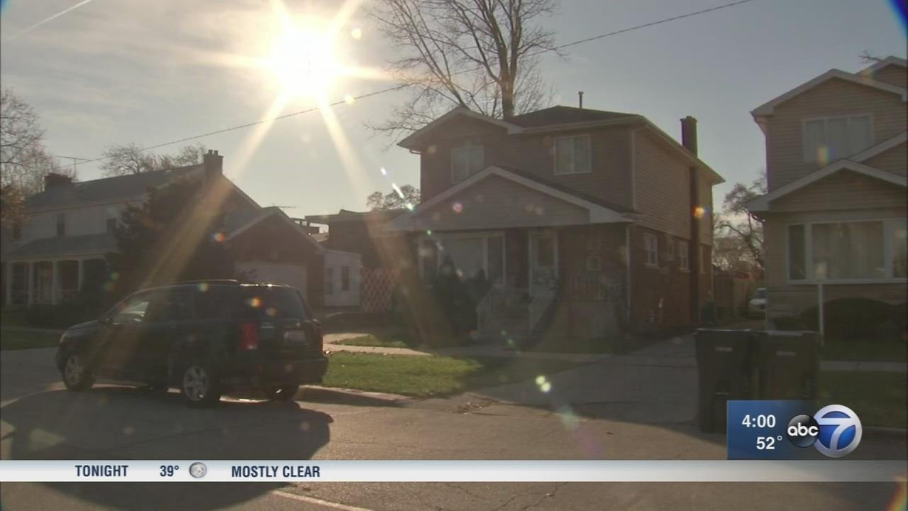 Woman carjacked backing out of Morgan Park driveway
