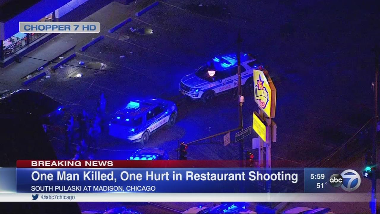 Police: 2 shot, 1 fatally at West Garfield Park fast food restaurant