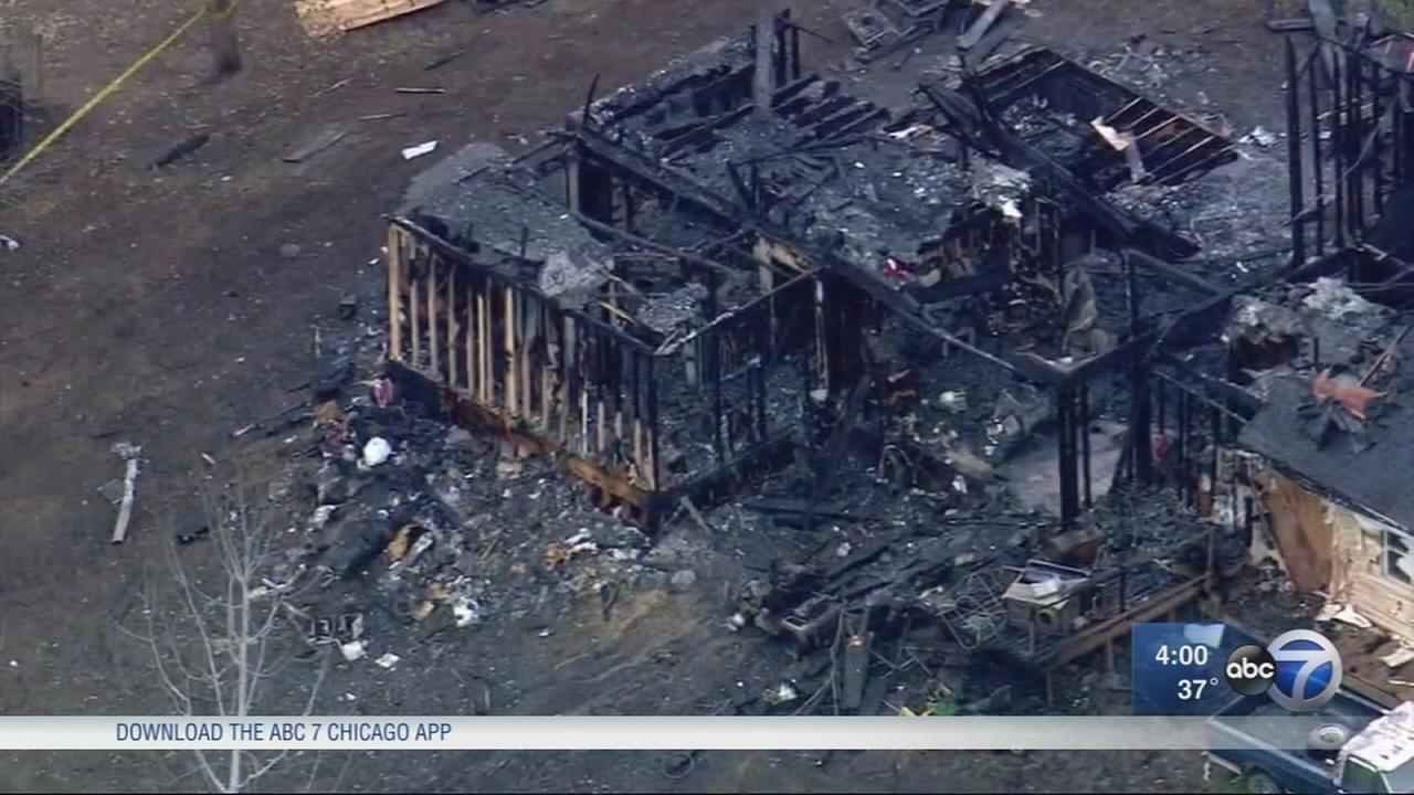 4 children, 2 adults killed in house fire outside Dixon