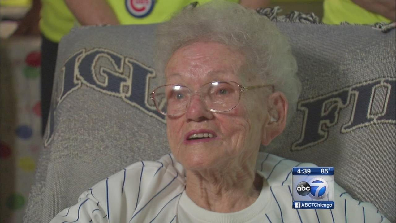 Cubs fan to celebrate 100th birthday at Wrigley