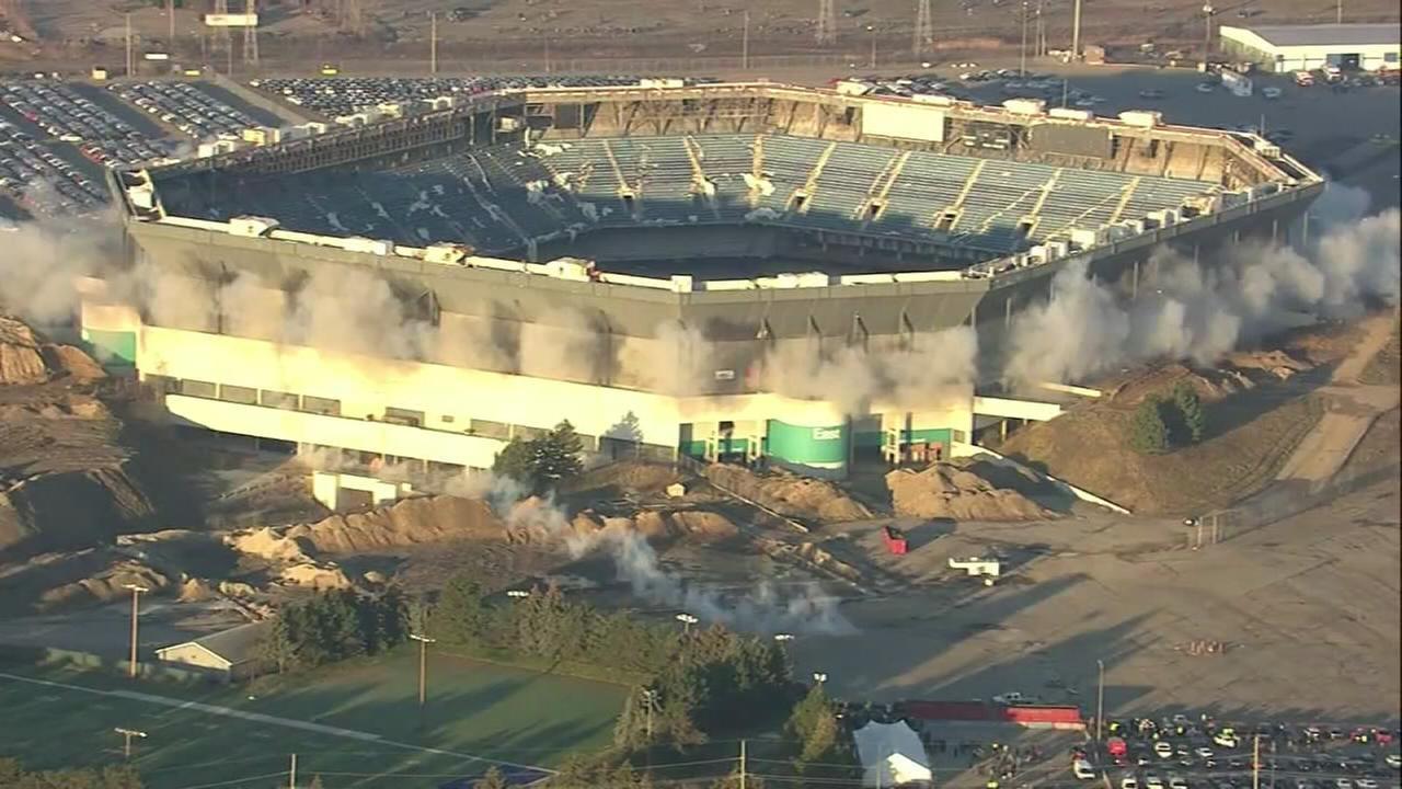 VIDEO: Pontiac Silverdome implosion fails