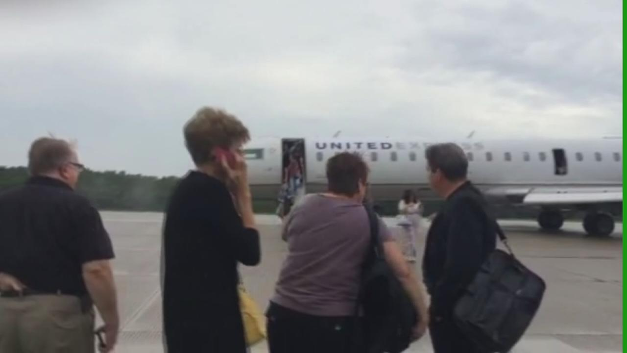 United Express jet makes emergency landing