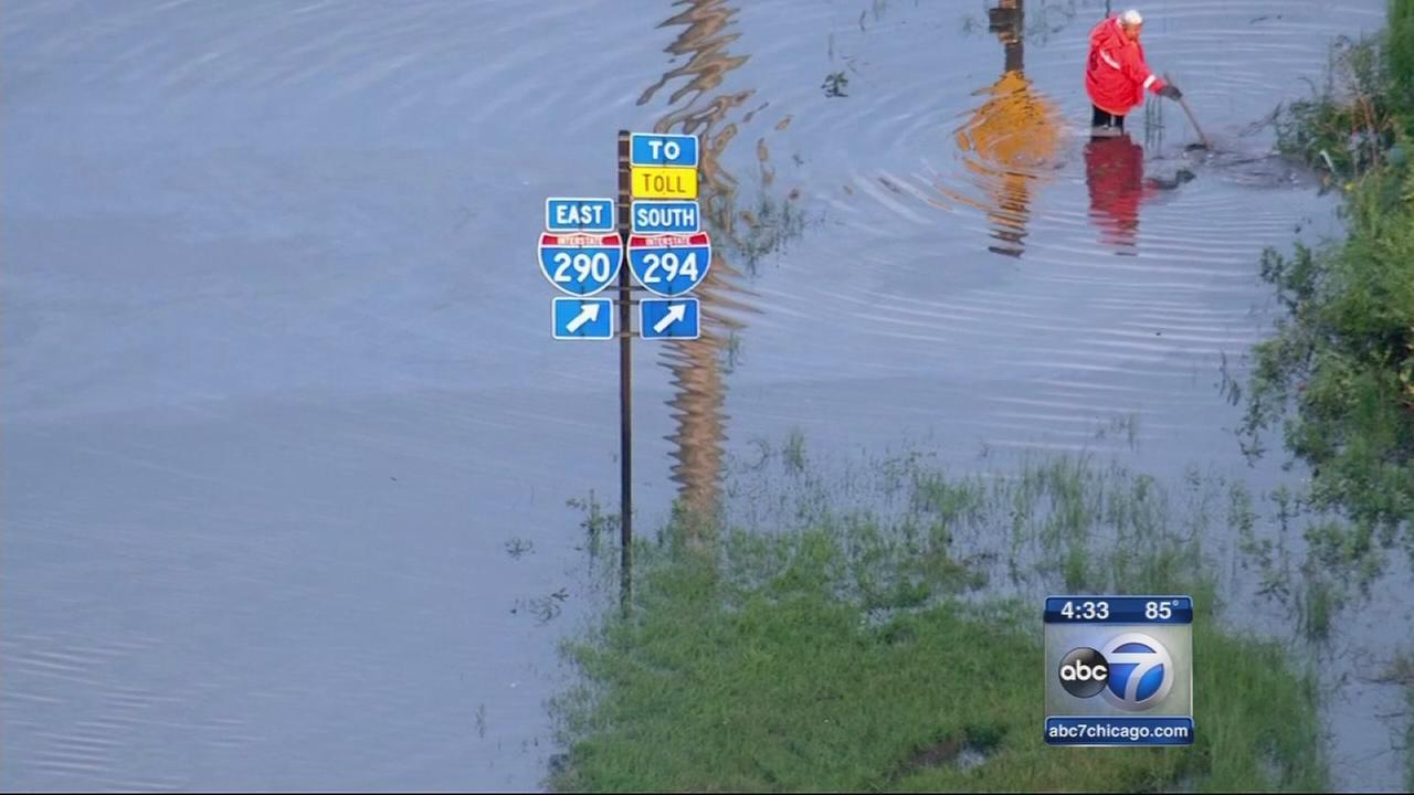 Floods overwhelm Ike in Maywood