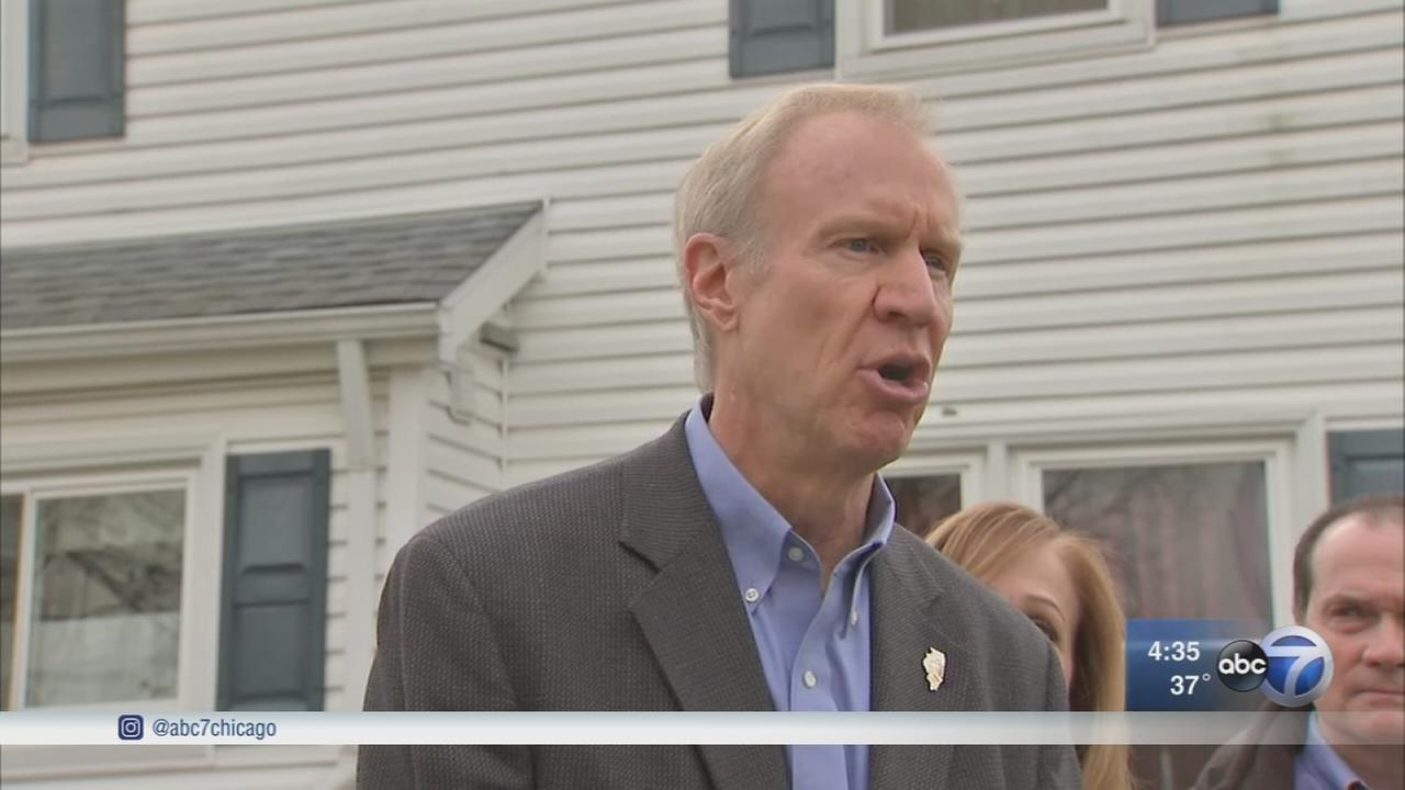 Rauner calls for Cook County assessor to resign