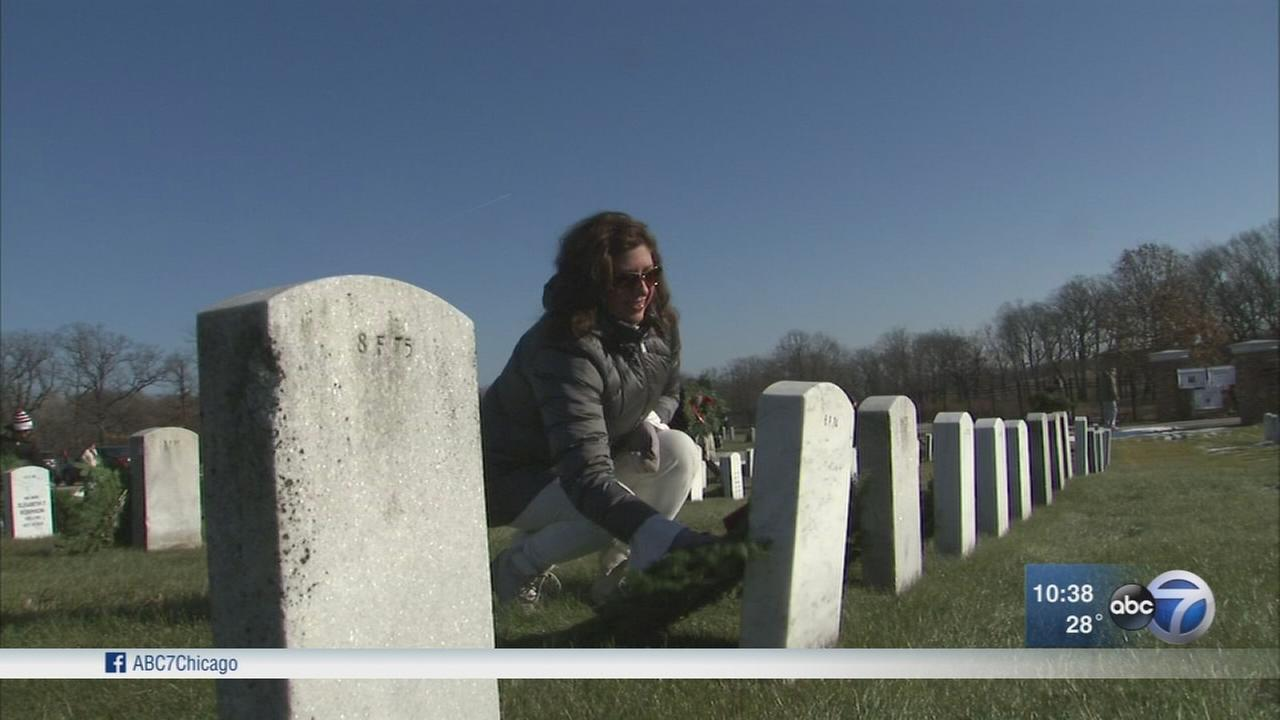 ?Wreaths across America? event honors veterans buried in Chicago area
