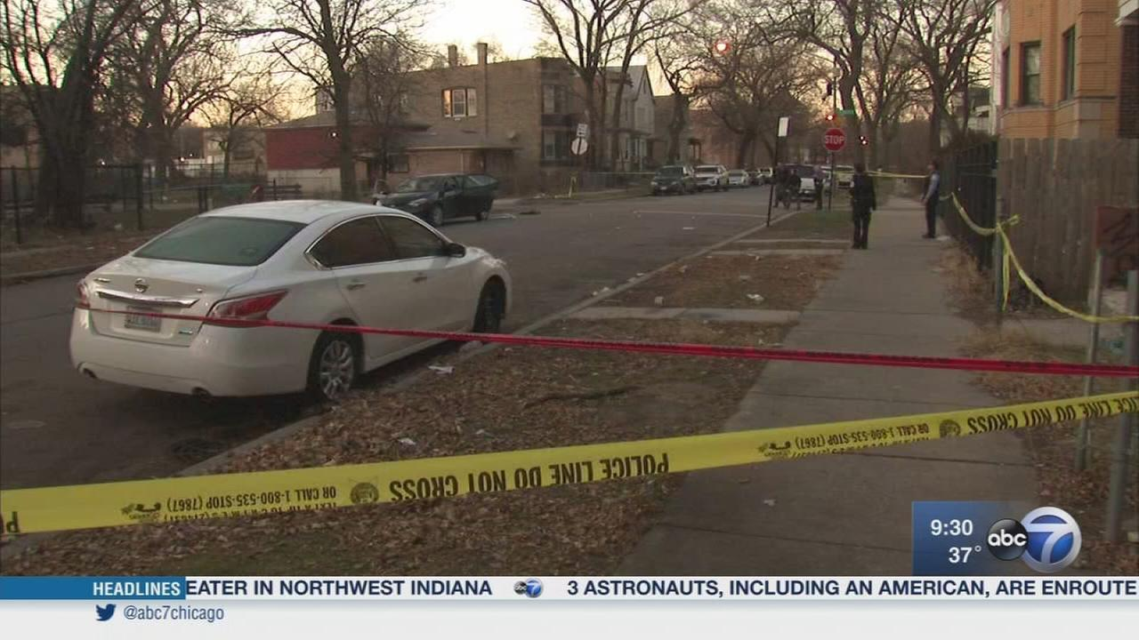 4 killed in 3 separate Chicago shootings