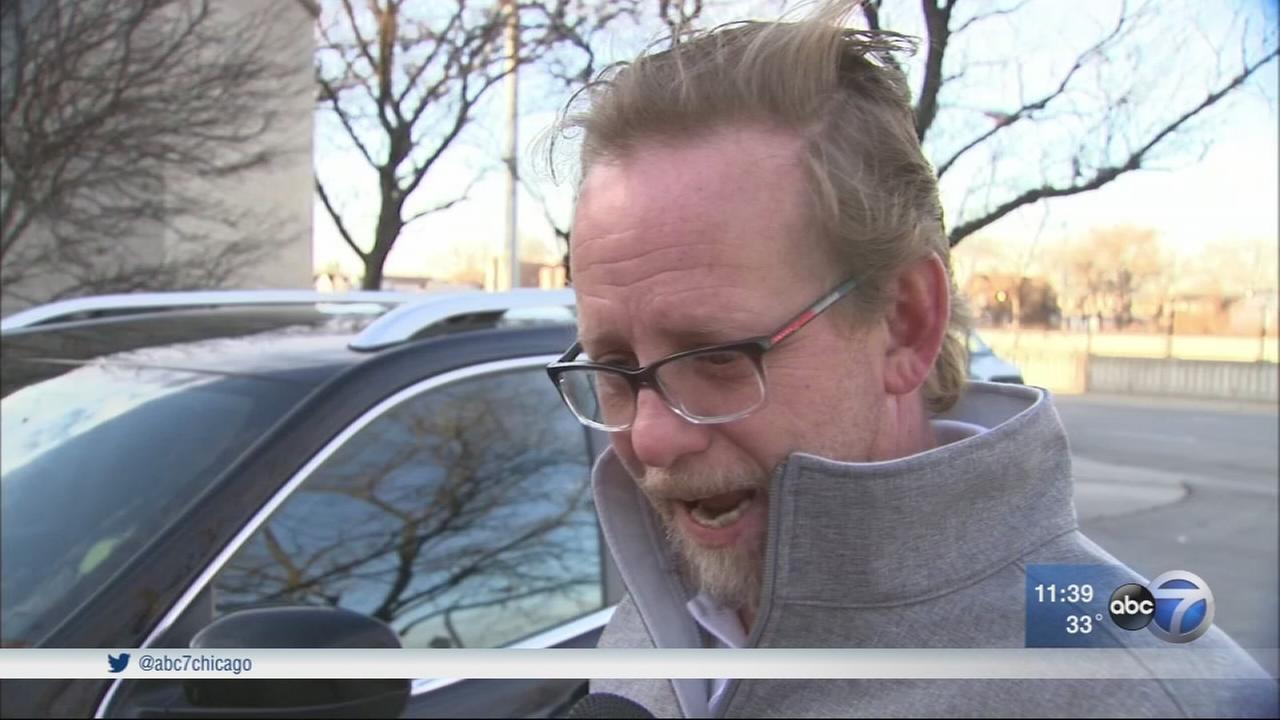 Lyft driver carjacked in Bronzeville