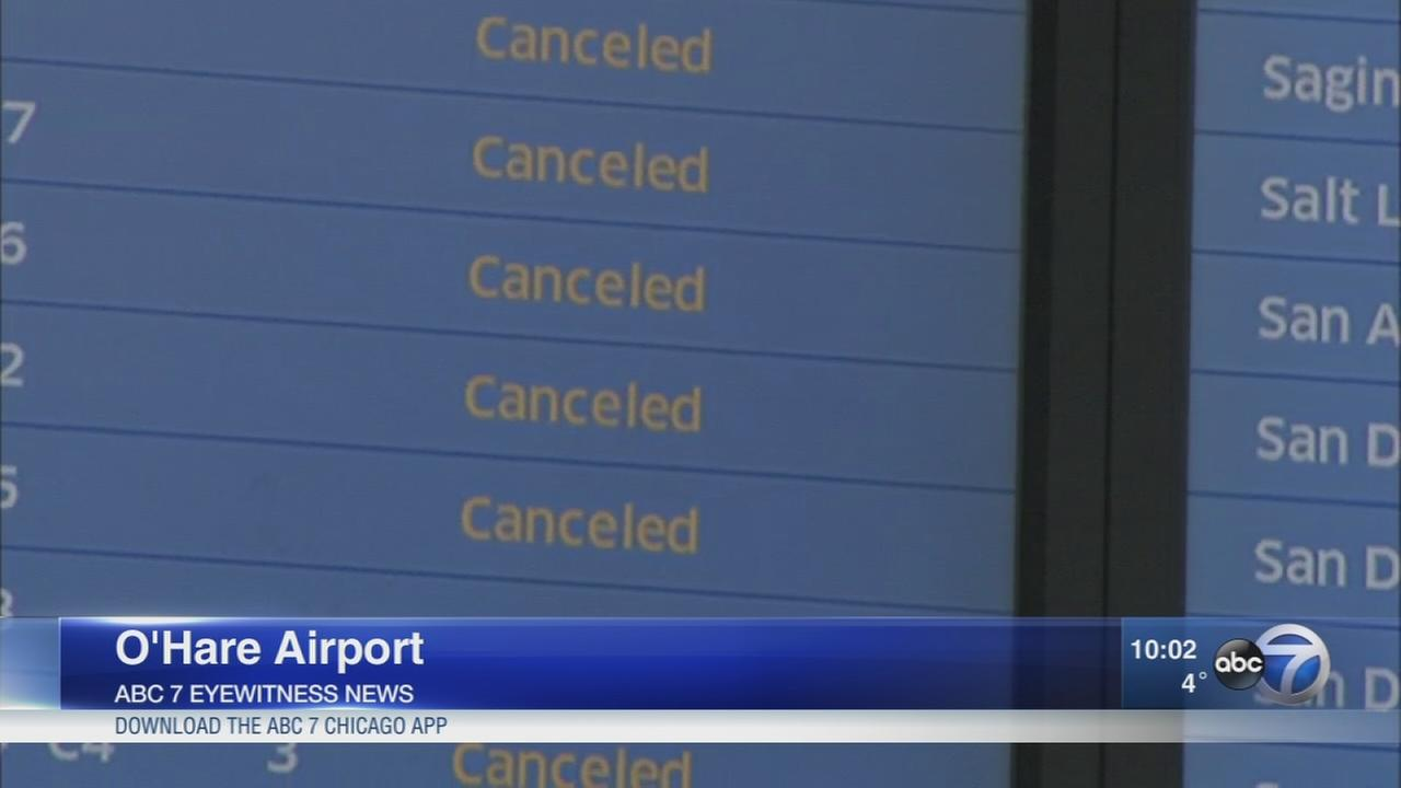 Bomb cyclone forces flight cancellations at Chicago airports