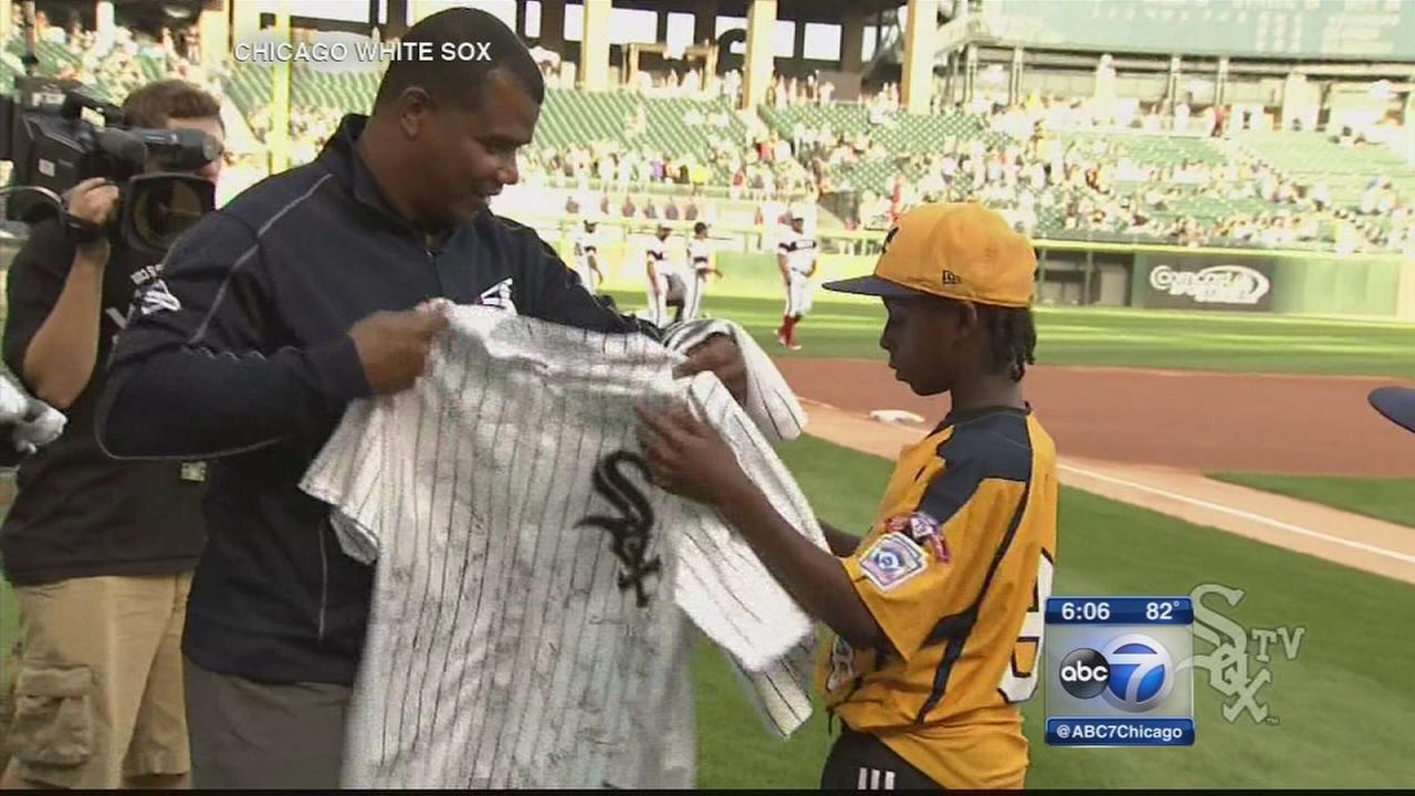 Jackie Robinson West honored at U.S. Cellular Field before White Sox game