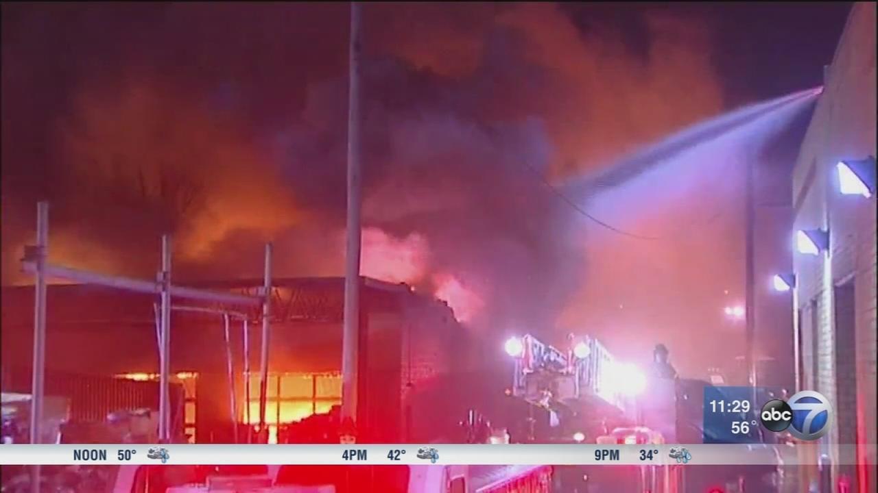Fire destroys Des Plaines recycling center