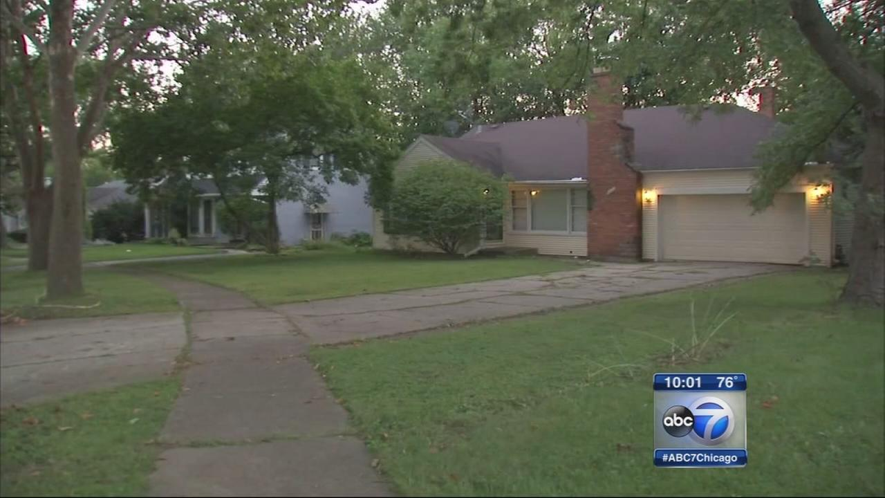 Police search for Flosmoor home invasion suspect
