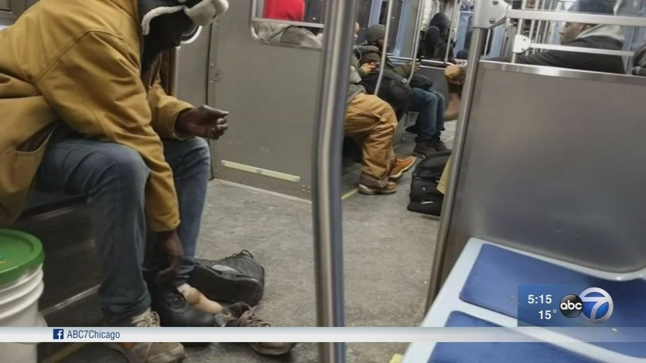 Good Samaritan gives homeless man boots off his own feet