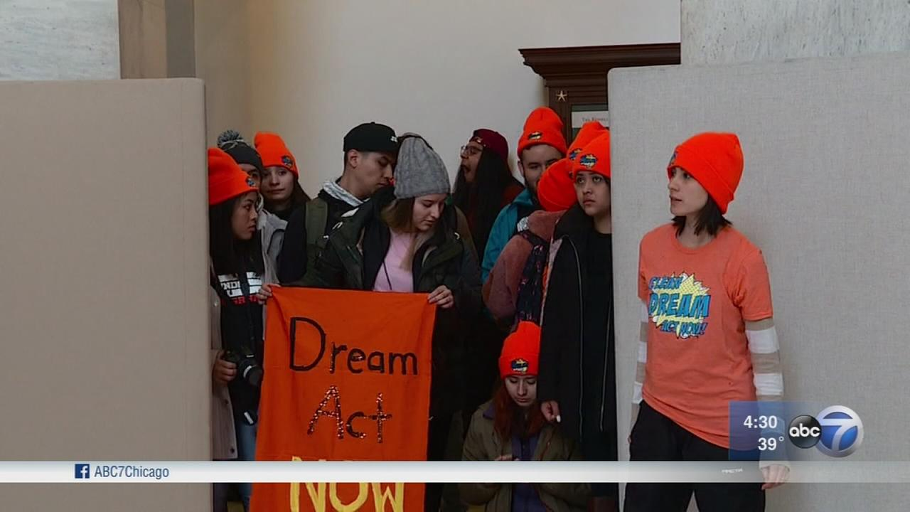 DACA applicants brace for budget decision in Washington