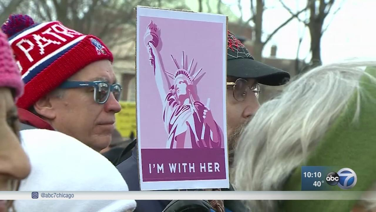 About 300K attend 2nd Womens March Chicago, exceeding last year, organizers say
